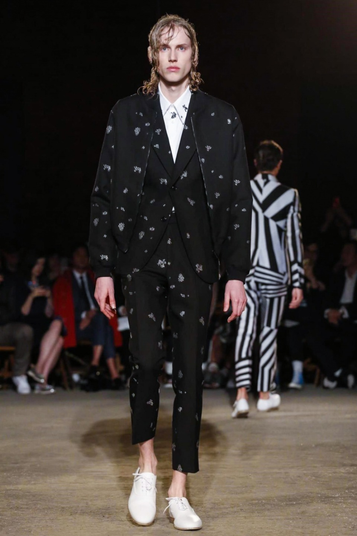 Alexander McQueen S/S 2016 London Alexander McQueen S/S 2016 London Vanity Teen Menswear & new faces magazine