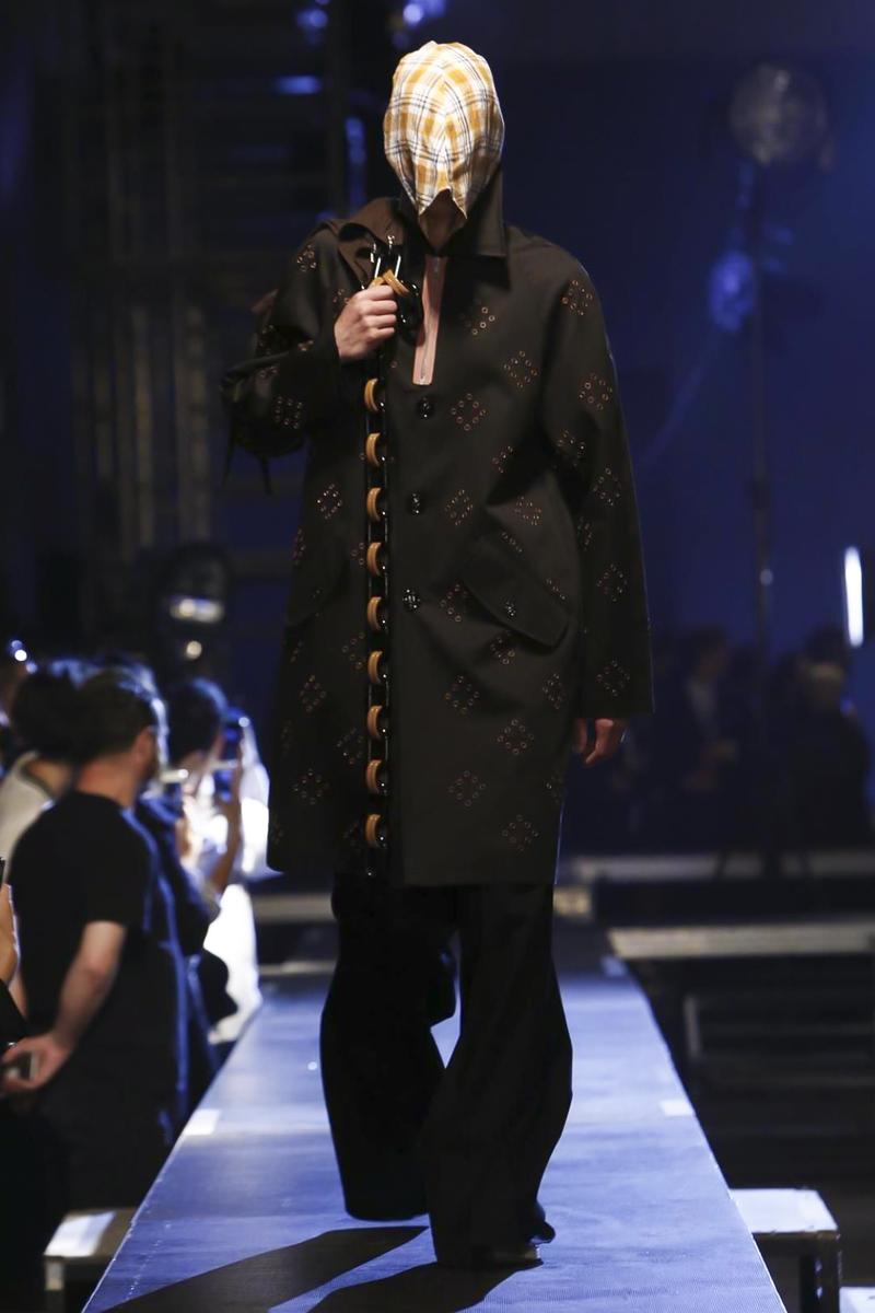 Raf-Simons-Menswear-SS16-Paris-6151-1435176314-bigthumb