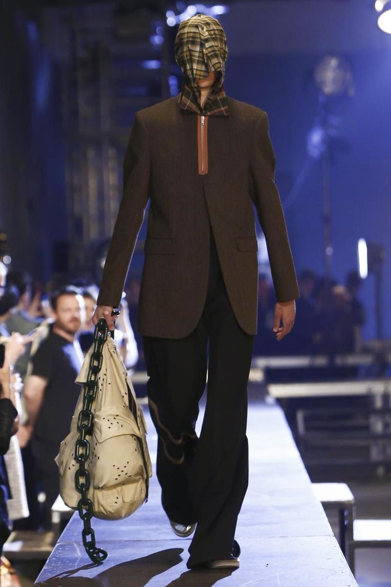 Raf-Simons-Menswear-SS16-Paris-6164-1435176328-bigthumb