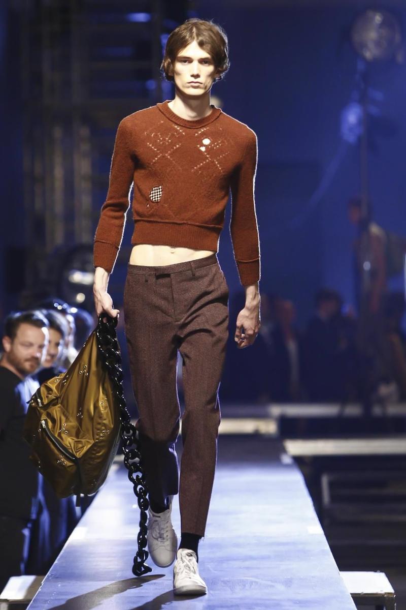 Raf-Simons-Menswear-SS16-Paris-6170-1435176335-bigthumb