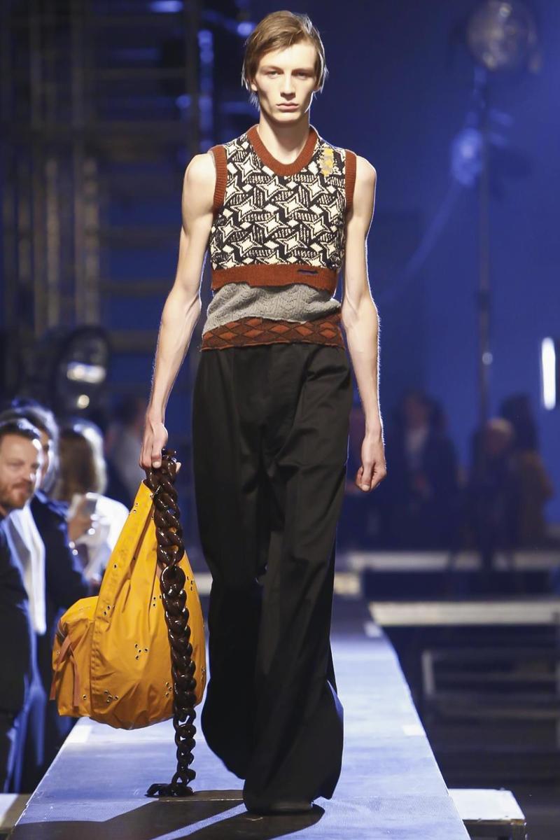 Raf-Simons-Menswear-SS16-Paris-6206-1435176399-bigthumb