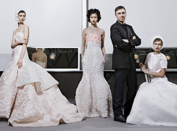 AU REVOIR DIOR RAF SIMONS LEAVES THE FRENCH FASHION HOUSE'S ARTISTIC DIRECTION
