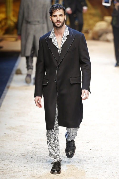 DOLCE & GABBANA FW 2016 Milan Fashion Week 2016-17 (23)