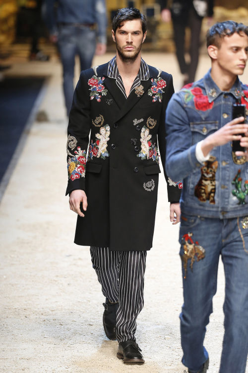 DOLCE & GABBANA FW 2016 Milan Fashion Week 2016-17 (46)