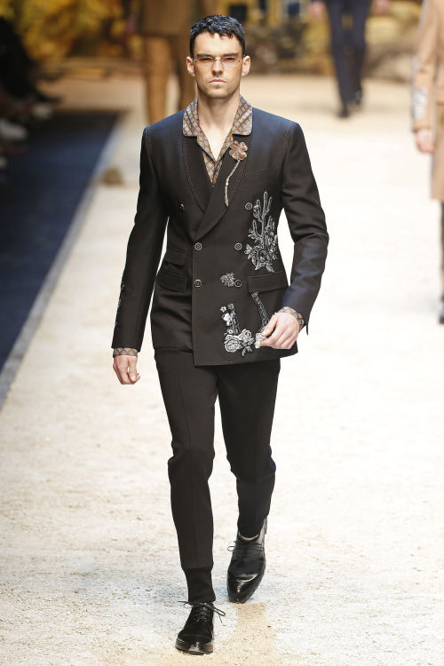 DOLCE & GABBANA FW 2016 Milan Fashion Week 2016-17 (59)