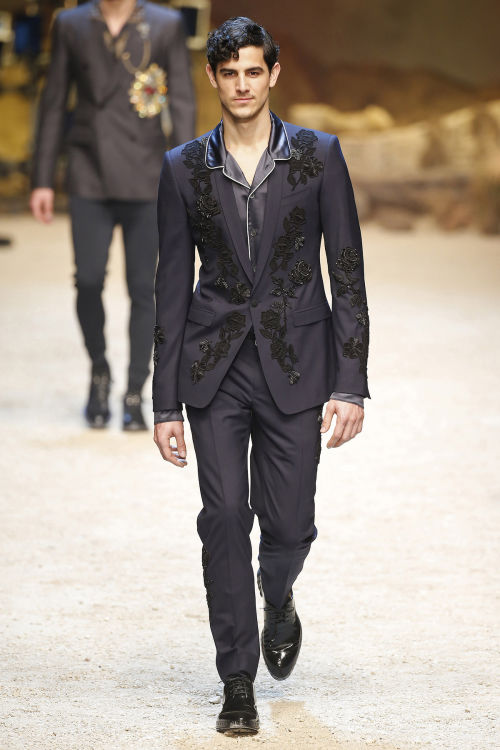 DOLCE & GABBANA FW 2016 Milan Fashion Week 2016-17 (61)