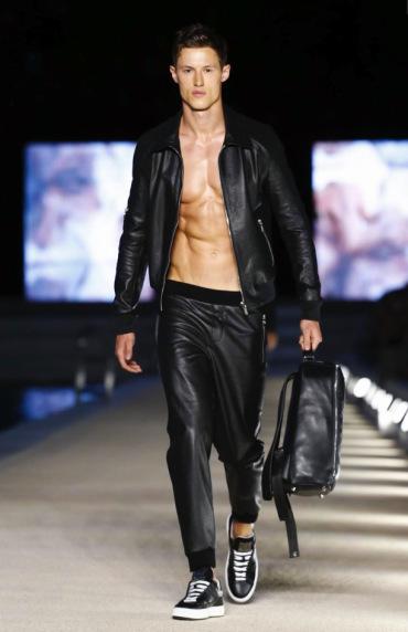 dirk-bikkembergs-menswear-spring-summer-2017-milan-28