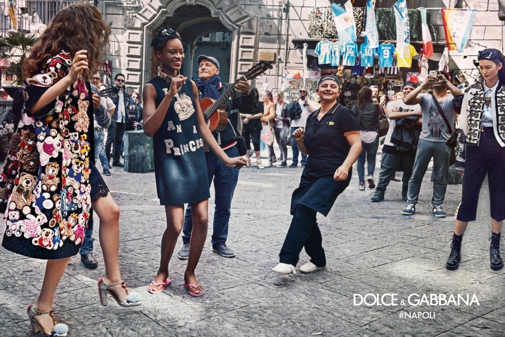 dolce-gabbana-fall-winter-2016-2017-advertisinig-campaign-in-naples-4