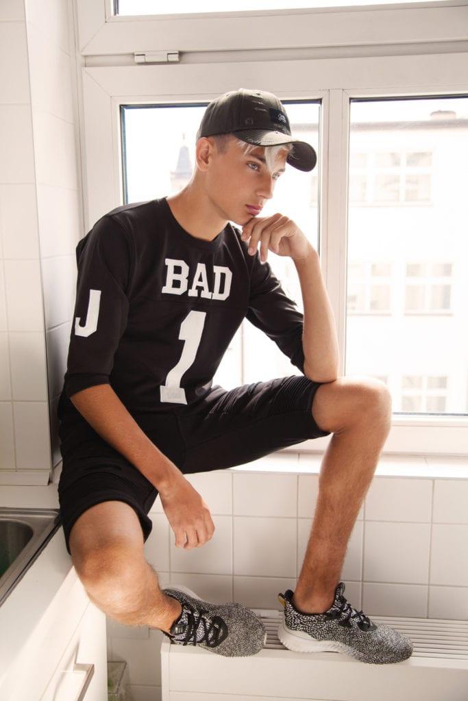 exclusive_vanity_teen_magazine_menswear_by_peter_tobias00002