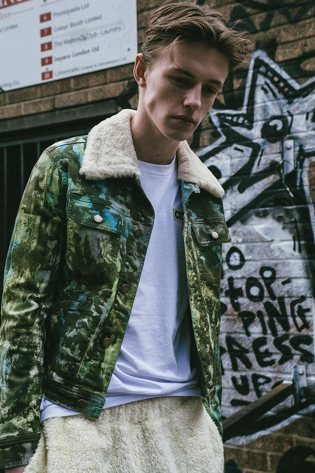Good Place To Be Here by Samantha Jane Good Place To Be Here by Samantha Jane Vanity Teen 虚荣青年 Menswear & new faces magazine
