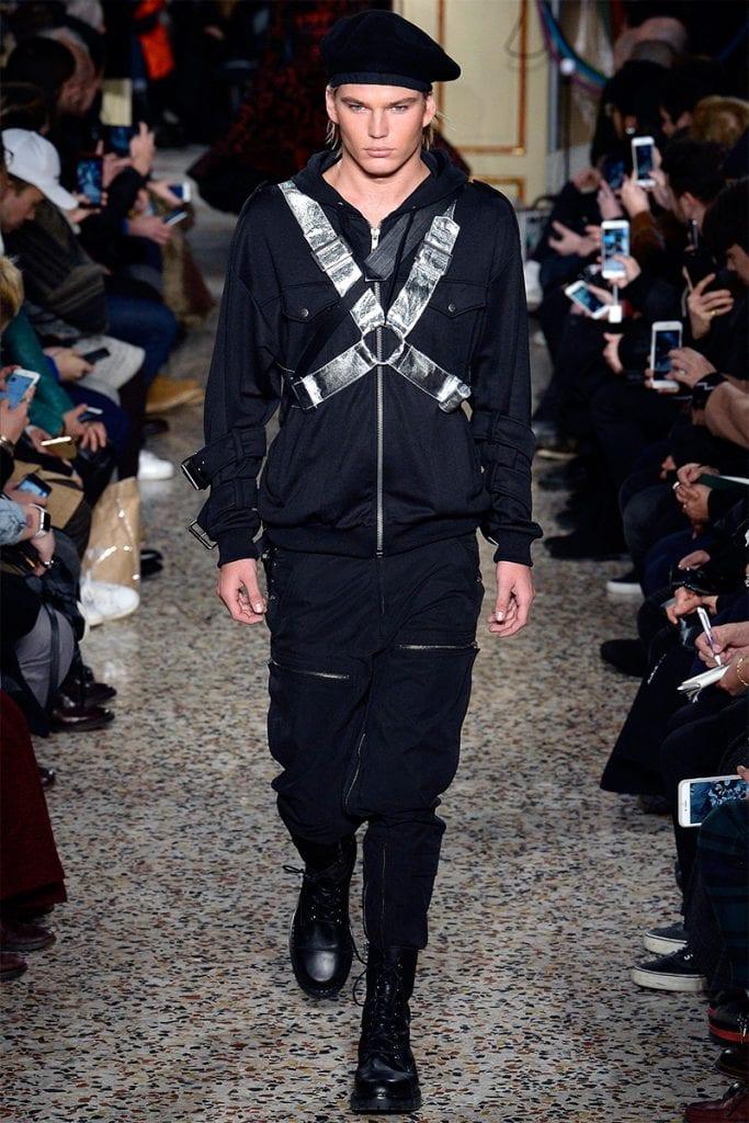 Moschino F/W 2017 Moschino F/W 2017 Vanity Teen Menswear & new faces magazine