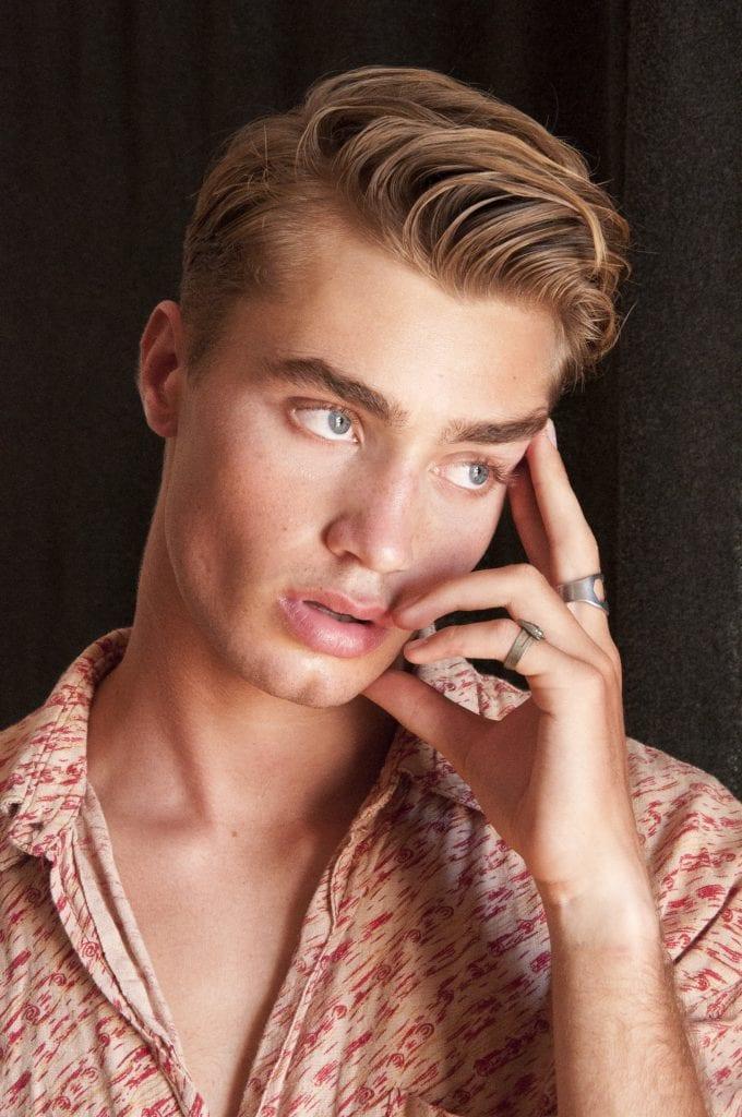 Jordan Roberts by Bruno Cortes Jordan Roberts by Bruno Cortes Vanity Teen 虚荣青年 Menswear & new faces magazine