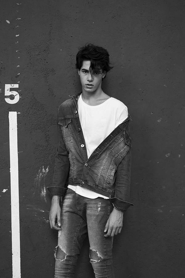 NEW FACES Lorenzo by Ari Mendes NEW FACES Lorenzo by Ari Mendes Vanity Teen 虚荣青年 Menswear & new faces magazine