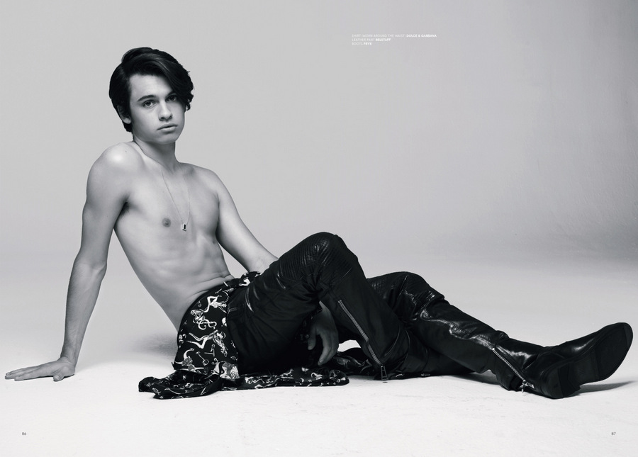 VT SS17: Dylan Jagger Lee by Justin Campbell VT SS17: Dylan Jagger Lee by Justin Campbell Vanity Teen 虚荣青年 Menswear & new faces magazine