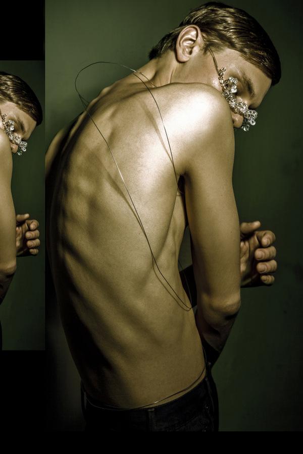 Ivan Goldfinch by Matheos Allatsatianos Ivan Goldfinch by Matheos Allatsatianos Vanity Teen 虚荣青年 Menswear & new faces magazine