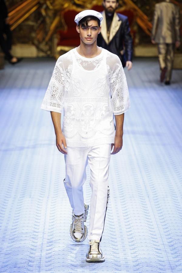 82c656a8eab7 Dolce   Gabbana SS19 MFW Vanity Teen Menswear Magazine (9) — Vanity Teen