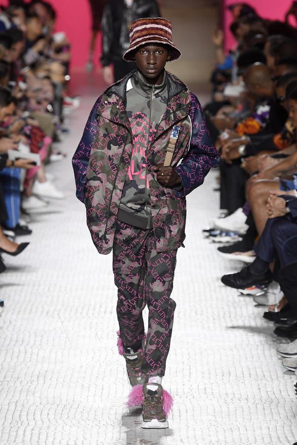 Valentino S/S 2019 Valentino S/S 2019 Vanity Teen Menswear & new faces magazine