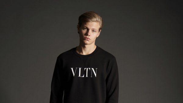 Florian Macek by Stephan Mientus Florian Macek by Stephan Mientus Vanity Teen 虚荣青年 Menswear & new faces magazine