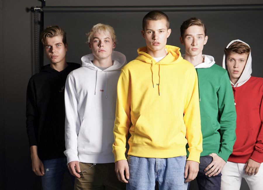 Helmut Lang's The Global Taxi Project by Stephan Mientus Helmut Lang's The Global Taxi Project by Stephan Mientus Vanity Teen 虚荣青年 Menswear & new faces magazine