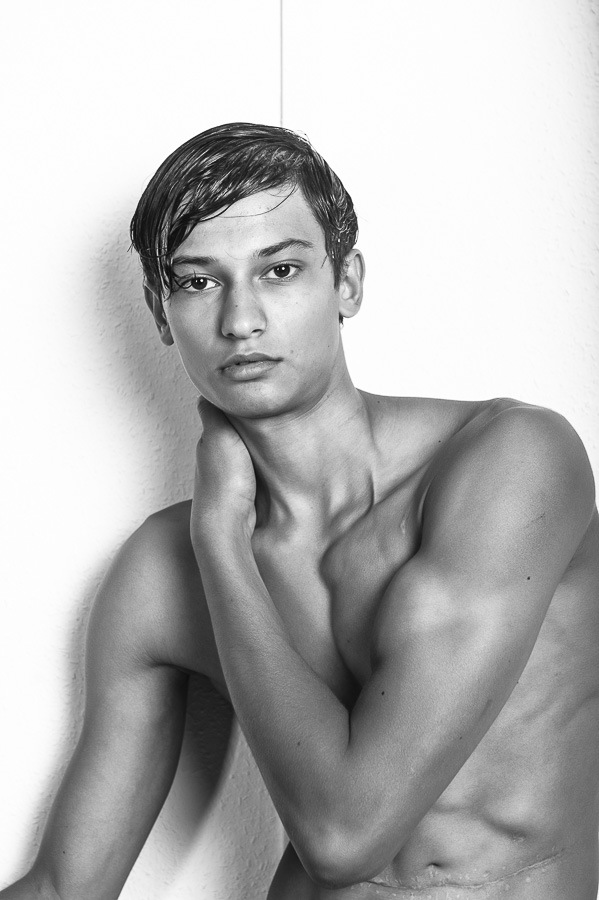 I Can Be So Different by Stefan Mauermann I Can Be So Different by Stefan Mauermann Vanity Teen 虚荣青年 Menswear & new faces magazine