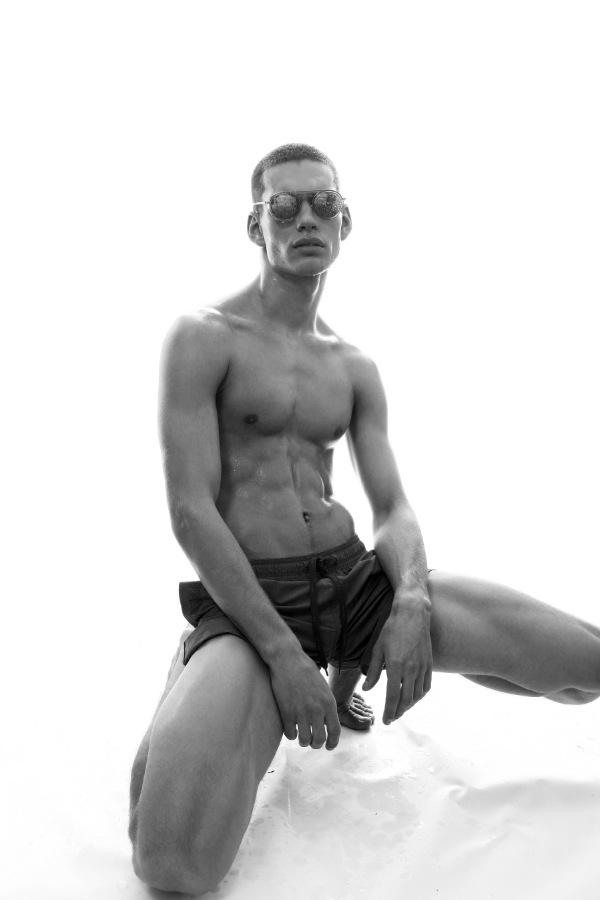 Ivan by Krzysztof Wyzynski Ivan by Krzysztof Wyzynski Vanity Teen 虚荣青年 Menswear & new faces magazine