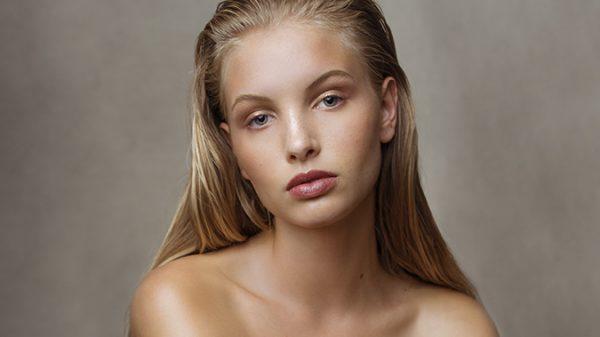 Alison Uetz by Anna Zesiger  Alison Uetz by Anna Zesiger Vanity Teen Menswear & new faces magazine