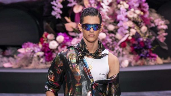 Versace S/S 2020  Versace S/S 2020 Vanity Teen Menswear & new faces magazine