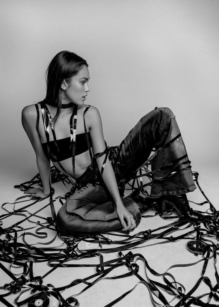 Amrine White by Niko Serpanos Amrine White by Niko Serpanos Vanity Teen 虚荣青年 Menswear & new faces magazine