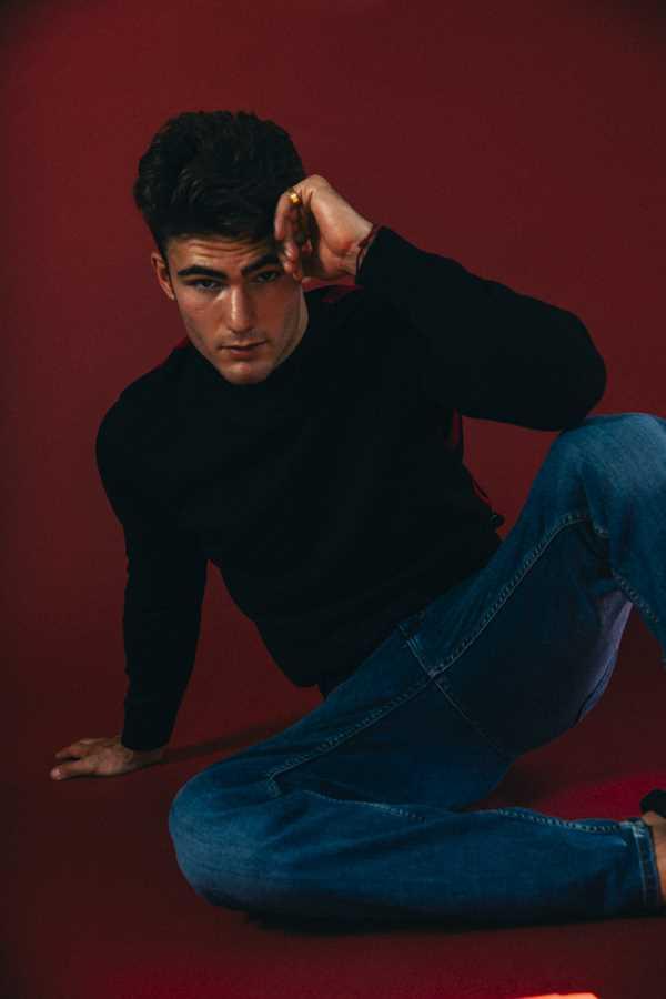 Levi Conely by Gabe Ayala Levi Conely by Gabe Ayala Vanity Teen 虚荣青年 Menswear & new faces magazine