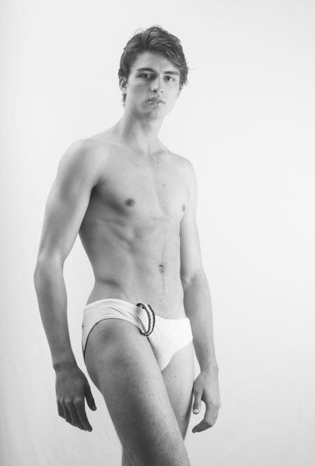 Vanity Teen Exclusive: Igor Westphal by Beto Urbano Vanity Teen Exclusive: Igor Westphal by Beto Urbano Vanity Teen 虚荣青年 Menswear & new faces magazine