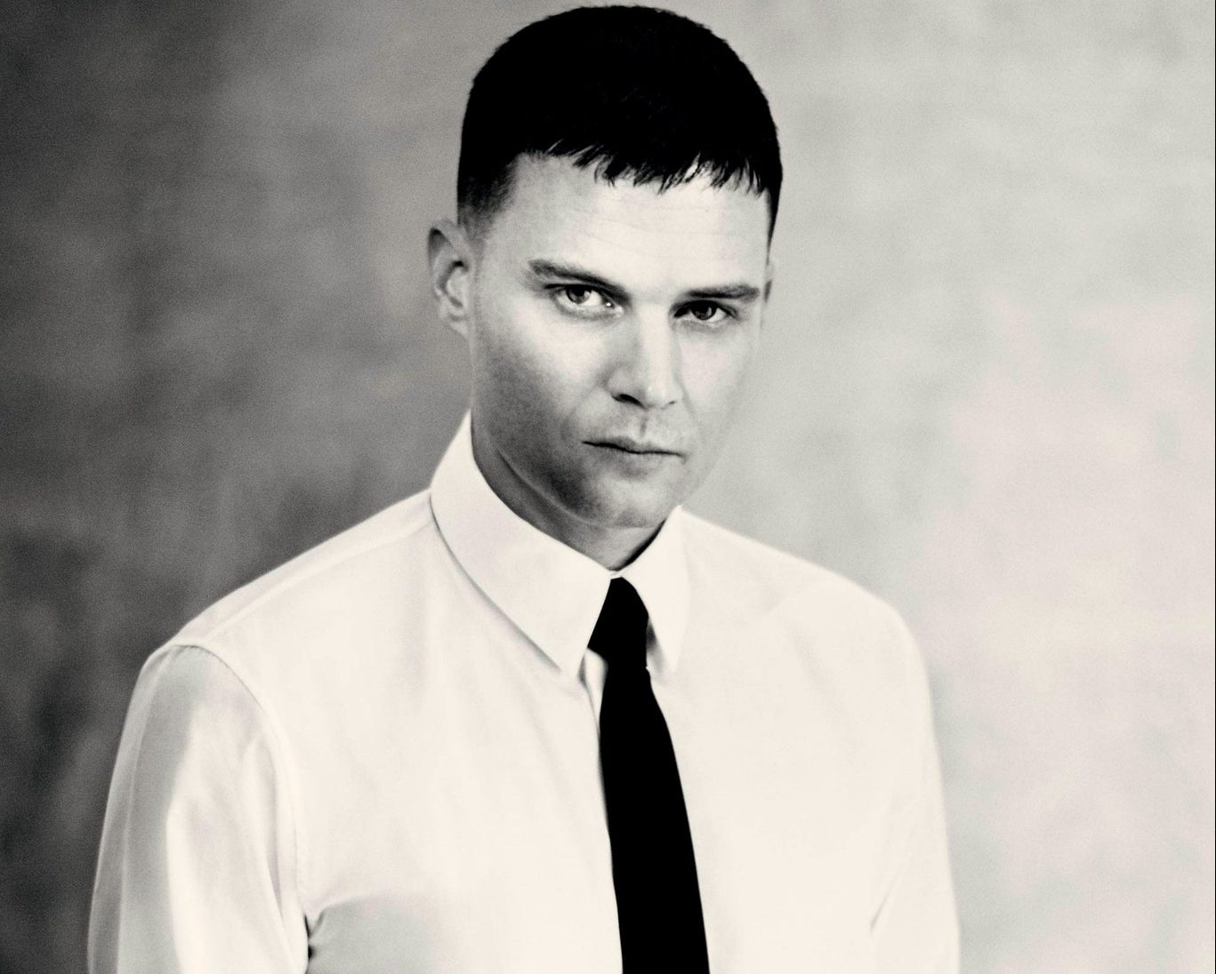 Givenchy Appoints Matthew Williams as New Creative Director Givenchy Appoints Matthew Williams as New Creative Director Vanity Teen 虚荣青年 Menswear & new faces magazine