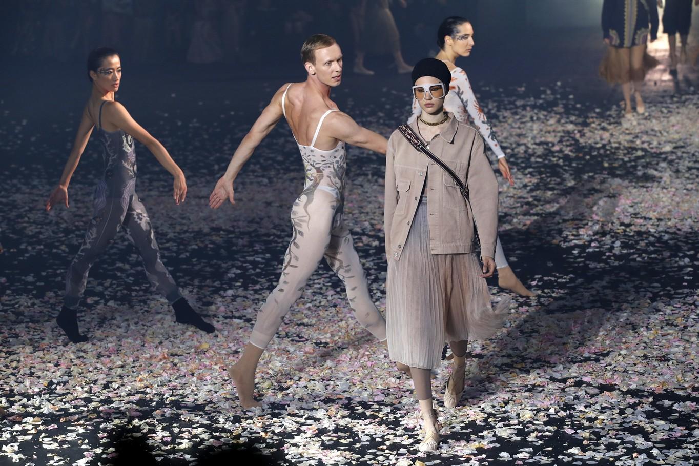 Vanity-Teen-Dior-Cruise-2021