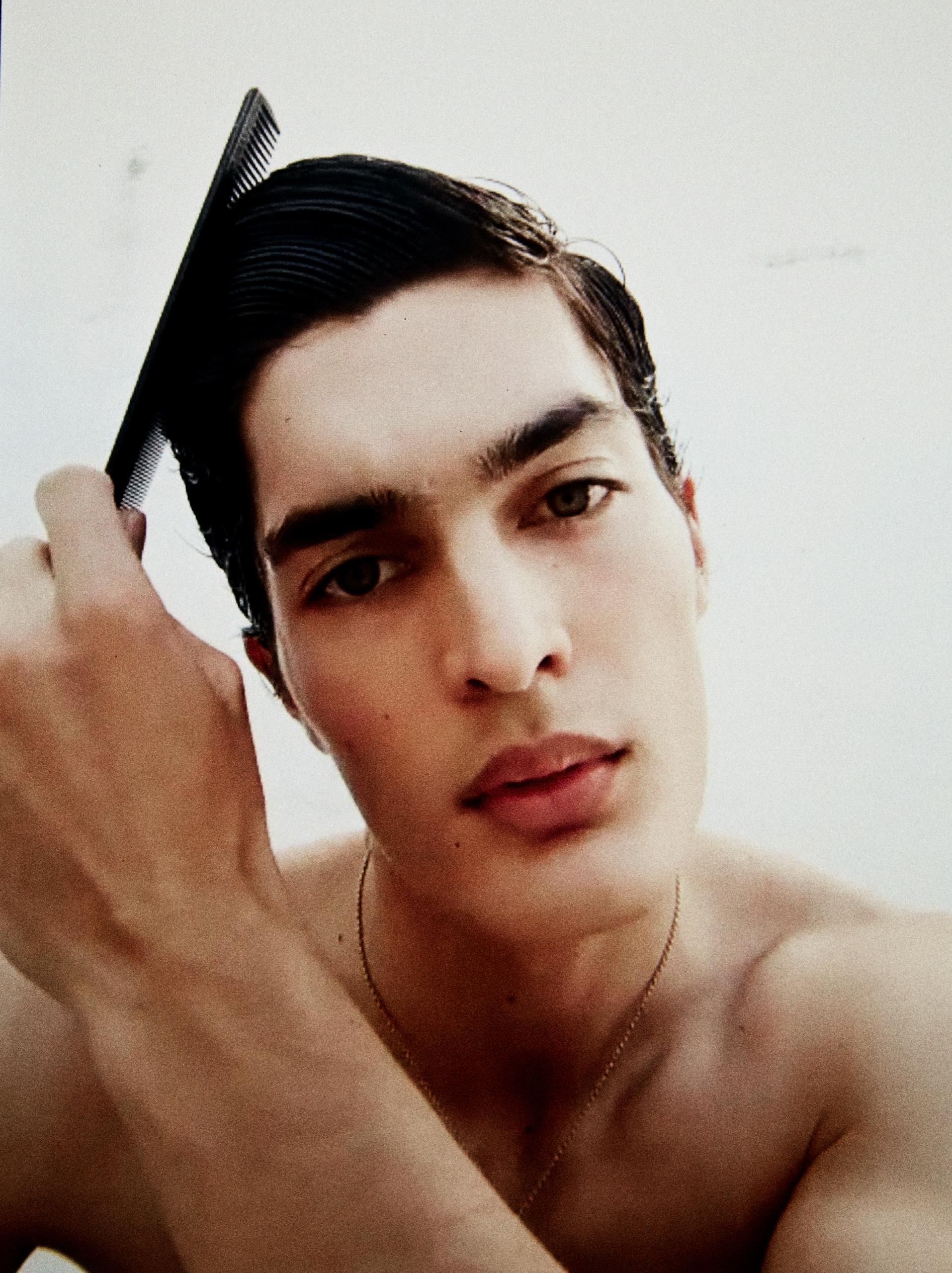 Facundo Aguirre by Vicente Mosto Facundo Aguirre by Vicente Mosto Vanity Teen 虚荣青年 Menswear & new faces magazine