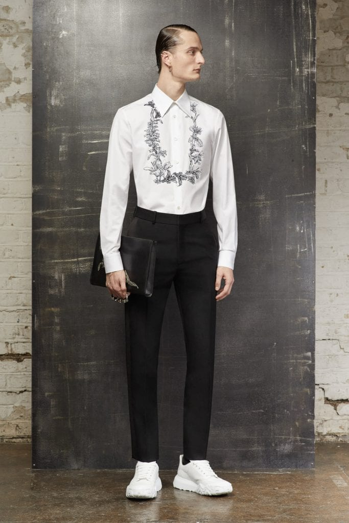 Alexander McQueen FW 20  Alexander McQueen FW 20 Vanity Teen Menswear & new faces magazine
