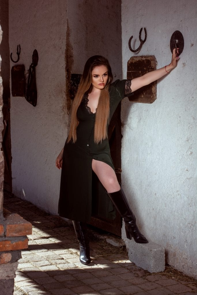 "The Popstar Lourdes Capall presents ""Vampire Kiss"" The Popstar Lourdes Capall presents ""Vampire Kiss"" Vanity Teen 虚荣青年 Menswear & new faces magazine"