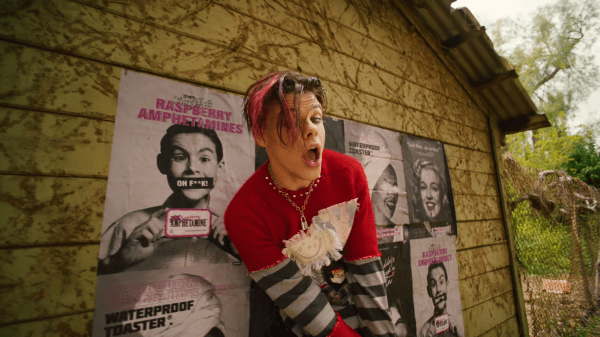 YUNGBLUG might upset some parents, but he has something to say YUNGBLUG might upset some parents, but he has something to say Vanity Teen Menswear & new faces magazine