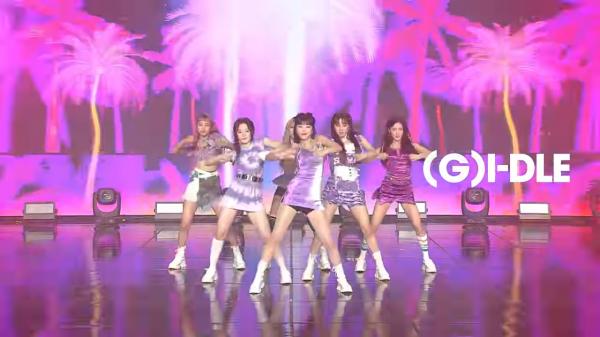 Celebrate Valentine's day with UNI-KON K-Pop Live Concert Celebrate Valentine's day with UNI-KON K-Pop Live Concert Vanity Teen 虚荣青年 Lifestyle & new faces magazine