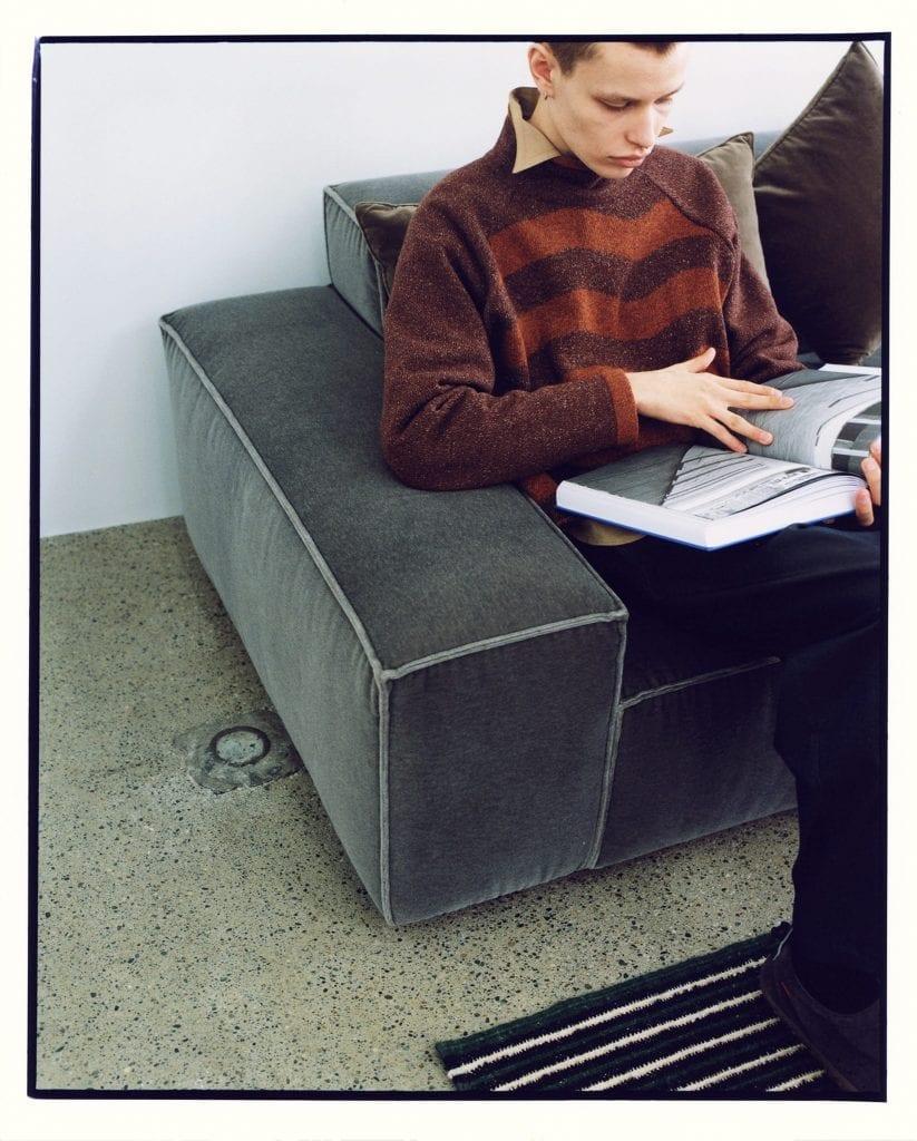 ENCOMING Fall/Winter 2021 ENCOMING Fall/Winter 2021 Vanity Teen 虚荣青年 Menswear & new faces magazine