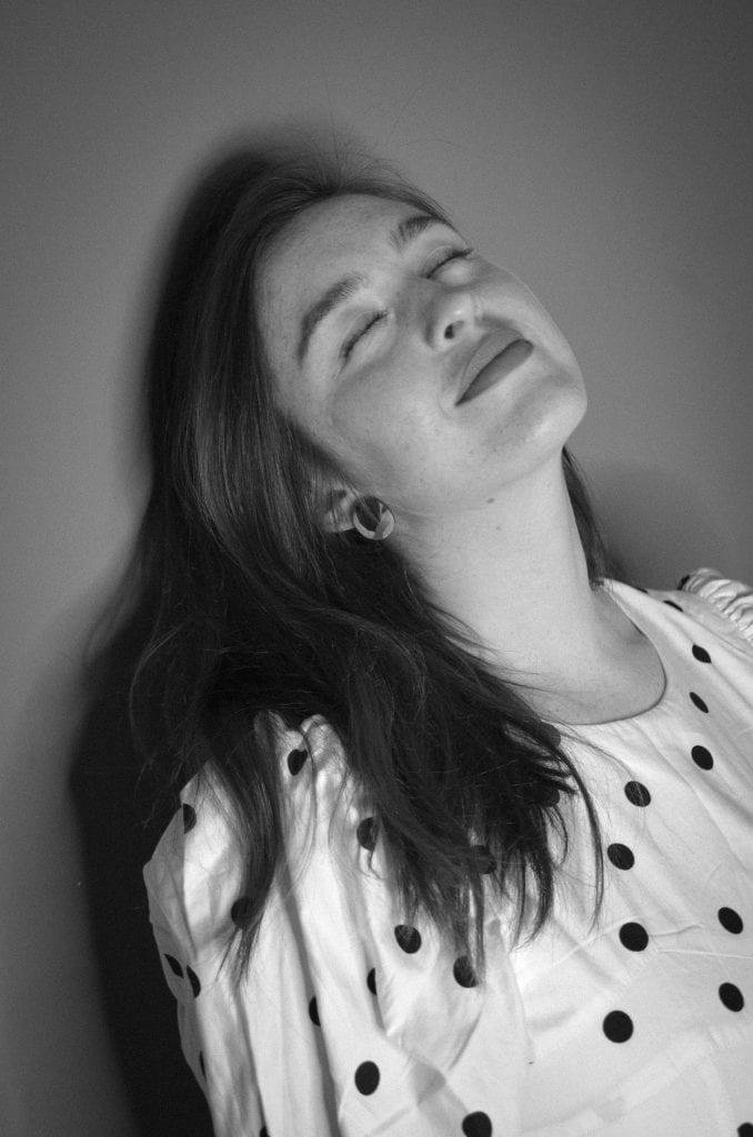 Danielle Galligan, eyes close