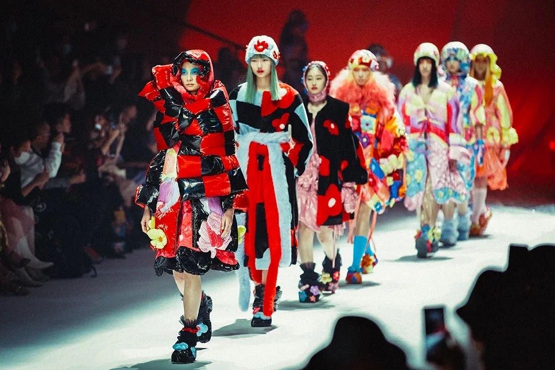 Shanghai Fashion Week - Day 9 Shanghai Fashion Week - Day 9 Vanity Teen 虚荣青年 Menswear & new faces magazine