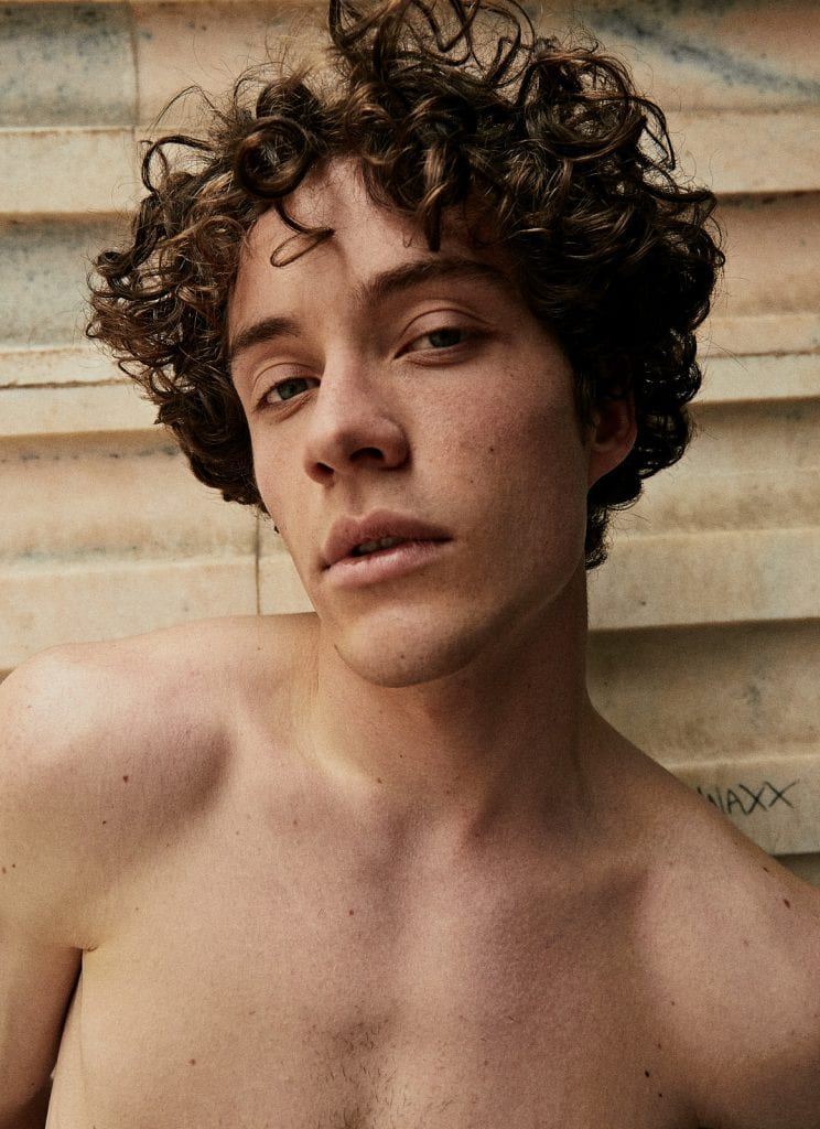 New City Boy by Vicente Mosto New City Boy by Vicente Mosto Vanity Teen 虚荣青年 Menswear & new faces magazine