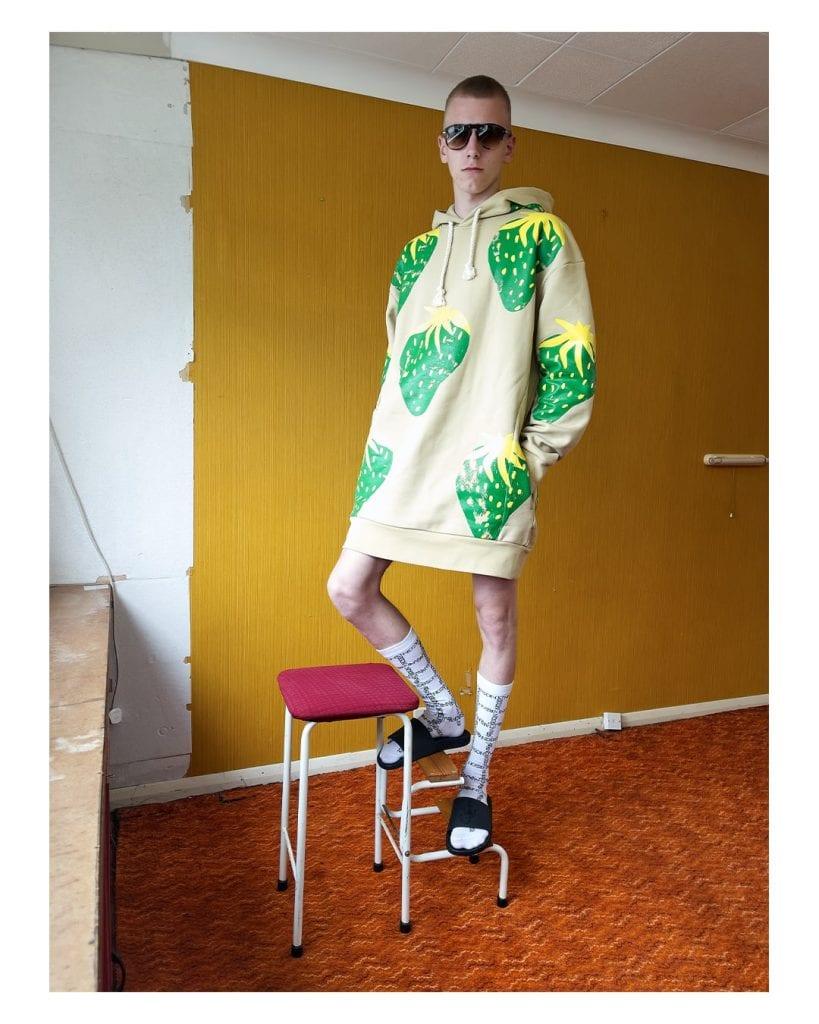 Paris Fashion Week - Day 2: Burberry, JW Anderson, Facetasm Paris Fashion Week - Day 2: Burberry, JW Anderson, Facetasm Vanity Teen 虚荣青年 Menswear & new faces magazine