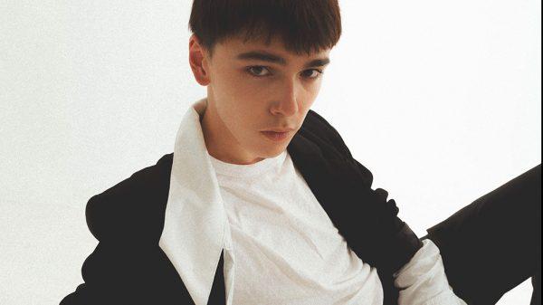 Sit Next To Me by Eddy Espinoza Sit Next To Me by Eddy Espinoza Vanity Teen 虚荣青年 Menswear & new faces magazine