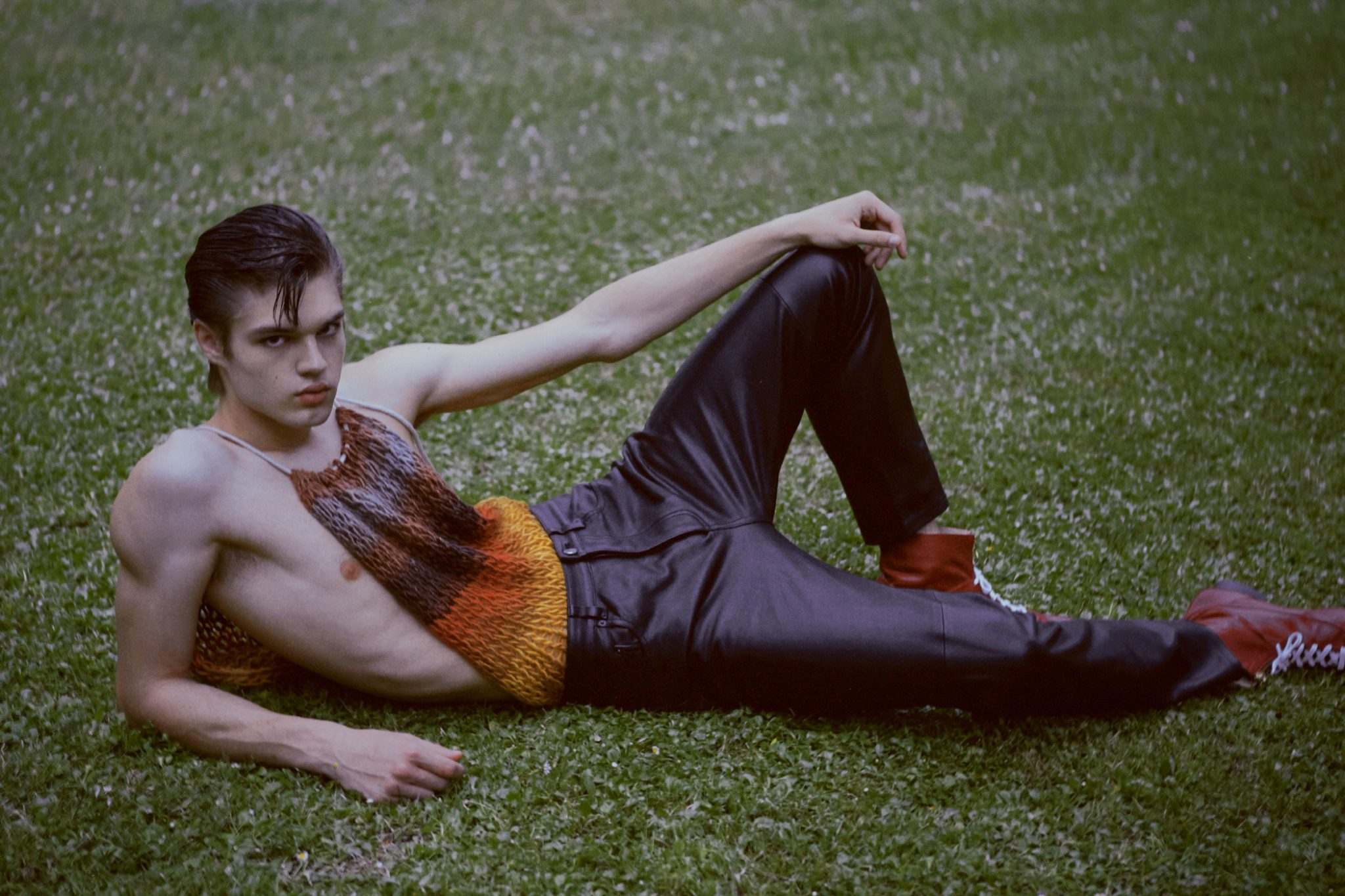 Bloom Of Youth by Alberto Saguar Bloom Of Youth by Alberto Saguar Vanity Teen 虚荣青年 Menswear & new faces magazine