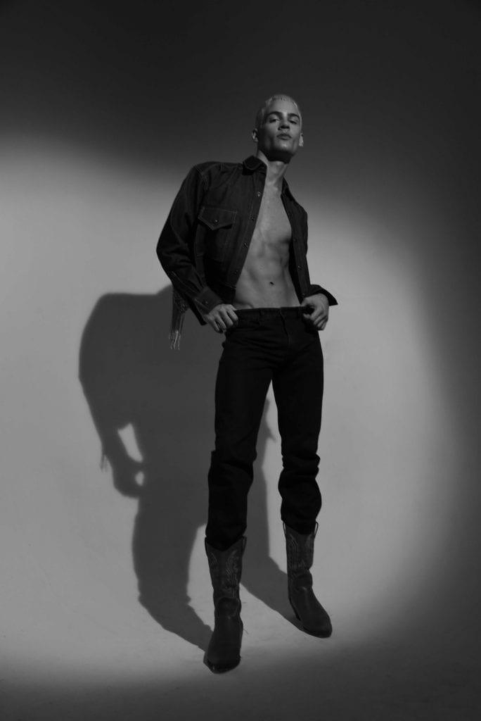 Santiago Robledo by Santiago Mors Santiago Robledo by Santiago Mors Vanity Teen 虚荣青年 Menswear & new faces magazine