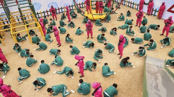 Netflix estimates 'Squid Game' to be worth nearly $900 million, cost only $21 million Netflix estimates 'Squid Game' to be worth nearly $900 million, cost only $21 million Vanity Teen 虚荣青年 Lifestyle & new faces magazine